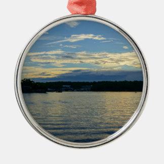 Ornement Rond Argenté Lac du coucher du soleil de bleu d'Ozarks