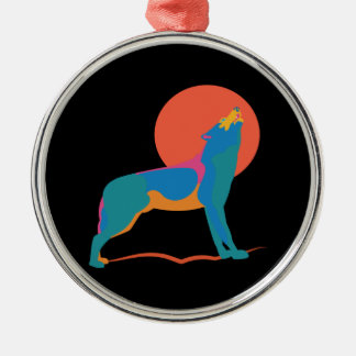 Ornement Rond Argenté Loup vibrant hurlant à une lune orange rouge