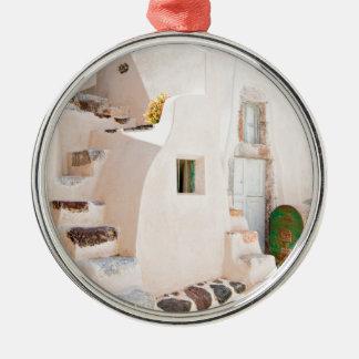 Ornement Rond Argenté Maison dans Santorini