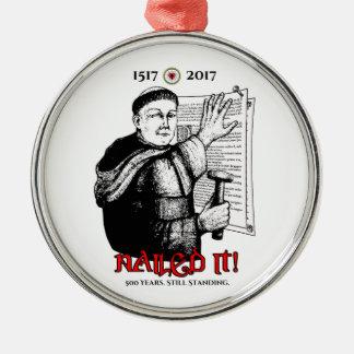 Ornement Rond Argenté Martin Luther l'a cloué !