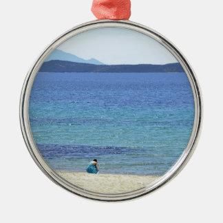Ornement Rond Argenté Mer de bleu de vacances de vacances