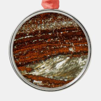 Ornement Rond Argenté Minerai de fer sous le microscope