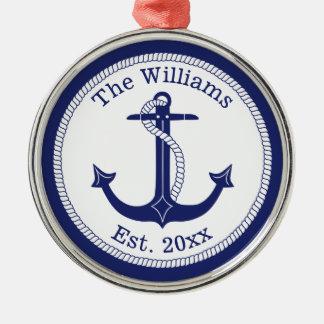 Ornement Rond Argenté Nom de famille nautique d'ancre de bleu marine