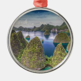 Ornement Rond Argenté Paysage d'île de Wayag, Indonésie