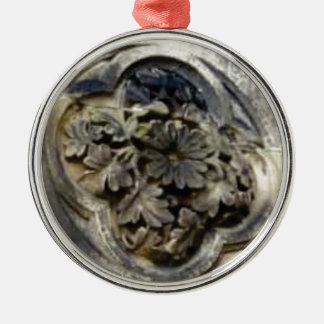 Ornement Rond Argenté pierre florale découpée