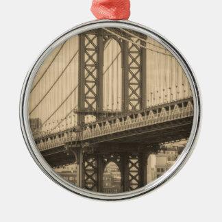 Ornement Rond Argenté Pont de Manhattan