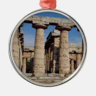 Ornement Rond Argenté tours antiques du monde