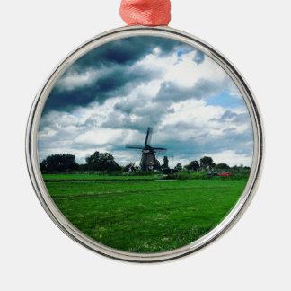 Ornement Rond Argenté Un moulin à vent néerlandais