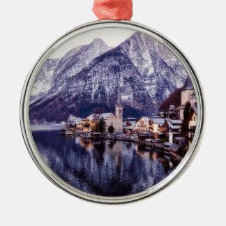 Ornement Rond Argenté Ville et montagnes de Noël