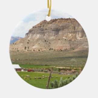 Ornement Rond En Céramique Agriculture du pays et des collines, l'Utah du sud
