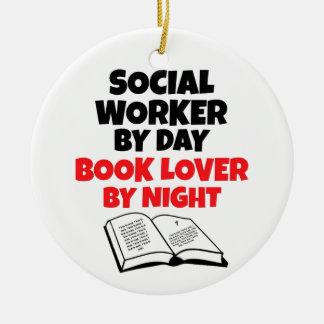 Ornement Rond En Céramique Assistant social d'amoureux des livres