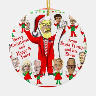 Ornement Rond En Céramique Atout de Père Noël et ses elfes