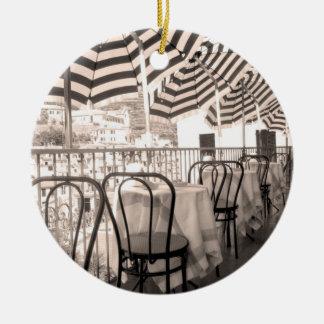 Ornement Rond En Céramique Balcon étrange de restaurant, Italie