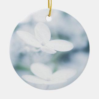 Ornement Rond En Céramique Belles fleurs blanches d'hortensia