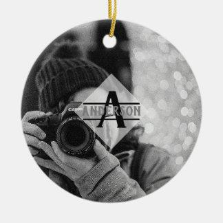 Ornement Rond En Céramique Cadeaux personnalisables de monogramme de PHOTO