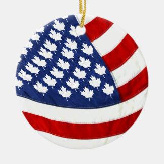 Ornement Rond En Céramique Canadien/drapeau de ondulation américain