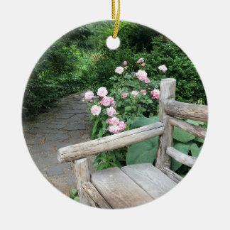Ornement Rond En Céramique Central Park NYC de roses de banc de jardin de