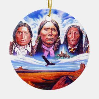 Ornement Rond En Céramique chefs indiens indigènes