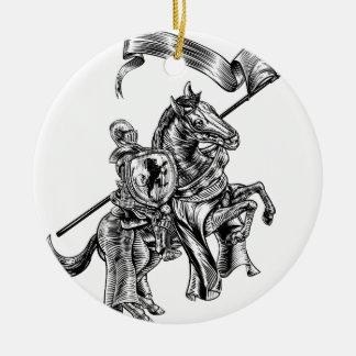 Ornement Rond En Céramique Chevalier médiéval sur le style vintage de gravure