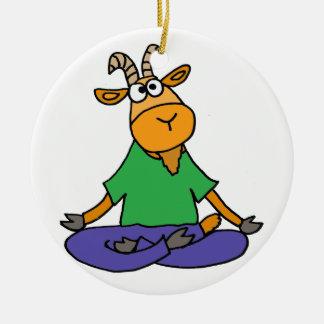 Ornement Rond En Céramique Chèvre drôle faisant le yoga de position de Lotus