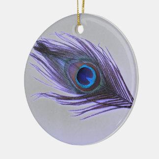 Ornement Rond En Céramique Choisissez la plume pourpre de paon d'arrière -