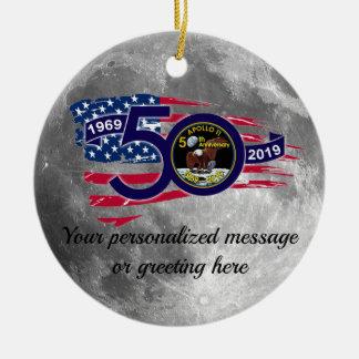 Ornement Rond En Céramique Cinquantième anniversaire personnalisé d'Apollo 11