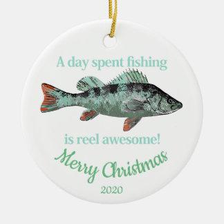 Ornement Rond En Céramique Citation de pêche d'amusement de Noël datée par