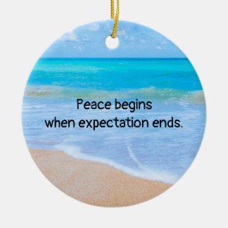 Ornement Rond En Céramique Citation inspirée avec la scène tropicale de plage