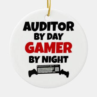 Ornement Rond En Céramique Commissaire aux comptes par le Gamer de jour par