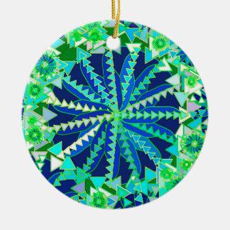 Ornement Rond En Céramique Copie tribale de mandala, bleu de cobalt et vert