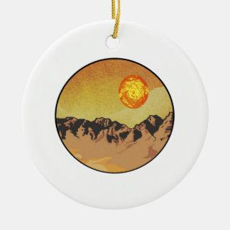 Ornement Rond En Céramique Coucher du soleil de montagne
