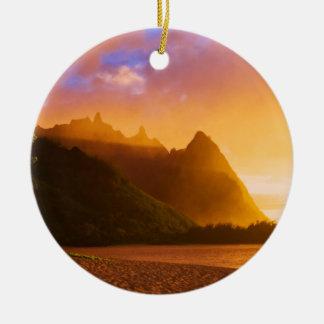Ornement Rond En Céramique Coucher du soleil d'or de plage, Hawaï
