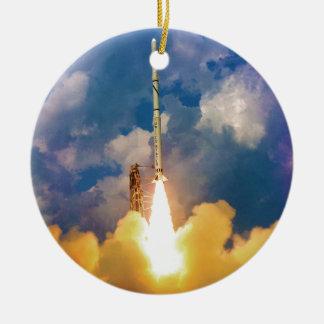 Ornement Rond En Céramique Décollage de lancement de Rocket de scout de la