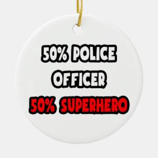 Ornement Rond En Céramique Demi de super héros de policier… à moitié