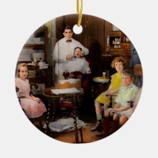 Ornement Rond En Céramique Dentiste - la pratique en matière 1921 de famille