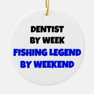 Ornement Rond En Céramique Dentiste par légende de pêche de semaine par