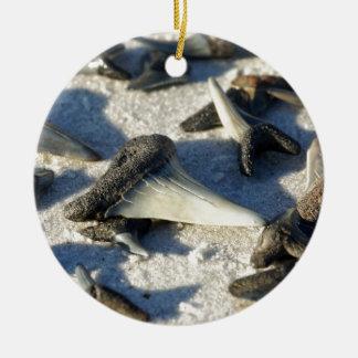Ornement Rond En Céramique Dents de requins de plage de Jax