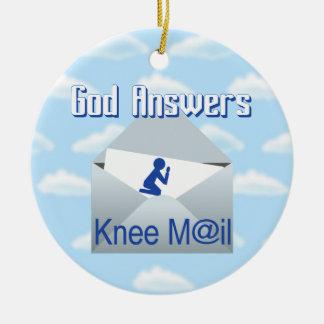 Ornement Rond En Céramique Dieu répond à l'ornement de cadeau de courrier de