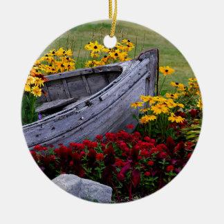 Ornement Rond En Céramique Disposition des fleurs et d'un bateau en bois