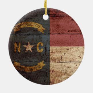 Ornement Rond En Céramique Drapeau d'état de la Caroline du Nord sur le vieux
