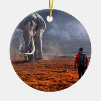 Ornement Rond En Céramique Éléphant et homme d'imaginaire