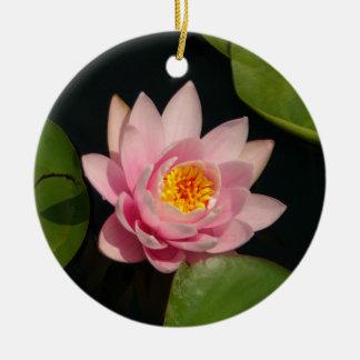 Ornement Rond En Céramique Fleurs roses de nénuphar de Lotus