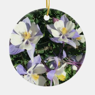 Ornement Rond En Céramique Fleurs sauvages de Columbine