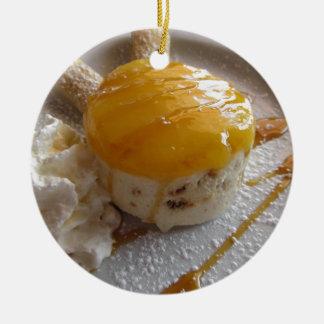 Ornement Rond En Céramique Gâteau couvert par confiture de crème glacée
