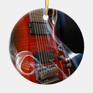 Ornement Rond En Céramique Guitares de Sept-Ficelle de ficelles de la guitare