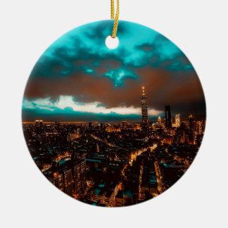 Ornement Rond En Céramique Horizon de nuit de Taïpeh