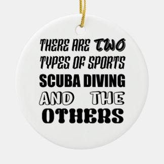 Ornement Rond En Céramique Il y a deux types de plongée à l'air de sports et