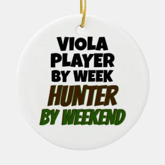 Ornement Rond En Céramique Joueur d'alto par le chasseur de jour par week-end