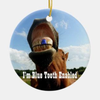 Ornement Rond En Céramique La dent bleue a permis le cheval