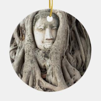 Ornement Rond En Céramique La tête de Bouddha dans l'arbre de Bodhi,